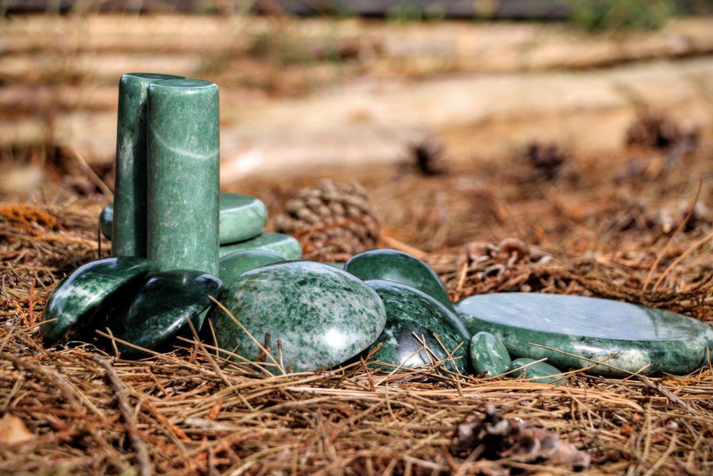 Massage met Jade stenen