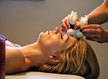 herbal-heaven-massage-kruidenstempels-hoofd