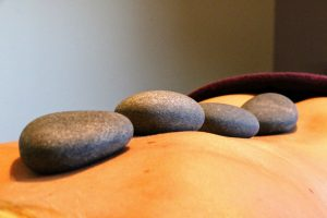 Actie hot stone massage